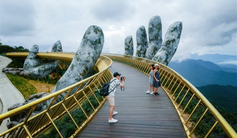 The Golden Bridge, one of the 28 stunning bridges in the world