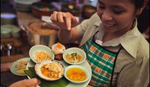 A DAY FOR HOI AN - COOKING CLASS AND UNESCO SITE WALKING