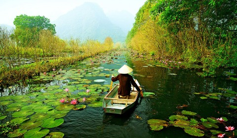 A NATURAL BEAUTY PHOTO-SHOOT IN VIETNAM / 16 DAYS